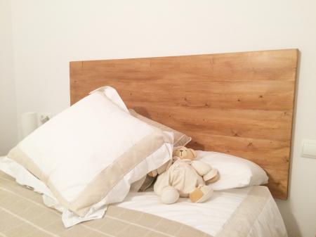Cabecero de cama de madera juvenil