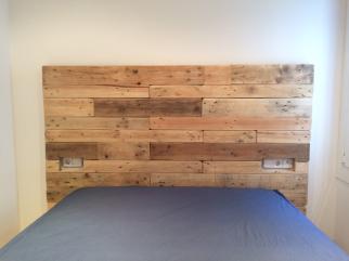 Cabecero de cama en madera rústica