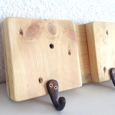 Colgador de madera de palet