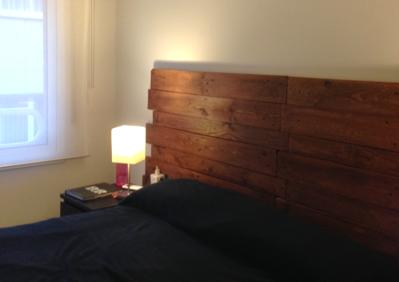 Cabecero de listones de madera